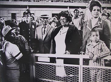 Image: Clemente in Pirates uniform with his family.